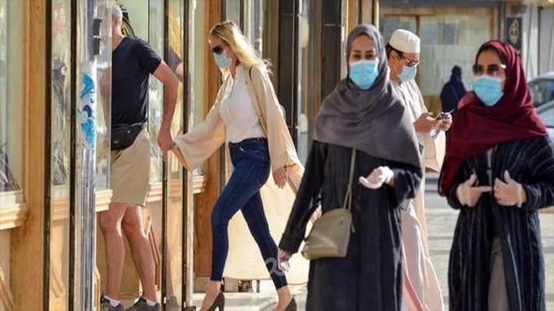 الشورى السعودي يدرس السماح للمحلات والمطاعم بالعمل وقت الصلاة