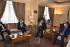 أبو الغيط يناقش مع وزير خارجية اليونان أهم قضايا المنطقة