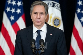 بلينكن يعبر عن غضبه بعد اكتشاف شعار للنازية محفور في وزارة الخارجية الأمريكية