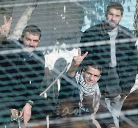 ستة أسرى يدخلون أعوامًا جديدة في سجون الاحتلال