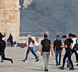 """لجنة المتابعة: الاحتلال الإسرائيلي يريد القدس """"حمام دم"""""""