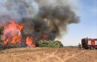 """اندلاع حريق في كيبوتس """"بئيري"""" بفعل بالونات حارقة أطلقت من غزة"""