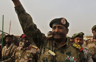 البرهان يؤكد ضرورة محاسبة مرتكبي الجرائم في دارفور  خاصة بحق النازحين