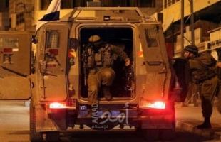 قوات الاحتلال يمنع استصلاح اراض ويستولي على جرافة غرب سلفيت