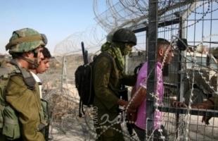جيش الاحتلال: اعتقال 3 فلسطينيين عبروا السياج الفاصل مع قطاع غزة