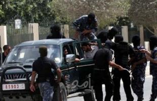 أمن حماس يعتقل شابا برفقته طفل أثناء محاولتهما التسلل عبر السياج الفاصل شرق رفح