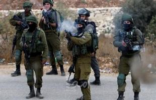 قوات الاحتلال تشن حملة انتهاكات واقتحامات للمنازل في الضفة الغربية