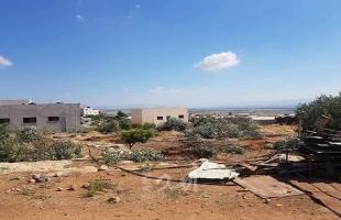 الأغوار: مستوطنون يمددون أنابيب مياه في أراضي المواطنين في الساكوت