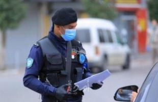 جنين: الشرطة تغلق محال تجارية وتحرر مخالفات سلامة عامة