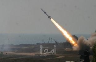 إعلام عبري: حماس أطلقت 3 صواريخ تجريبية تجاه البحر
