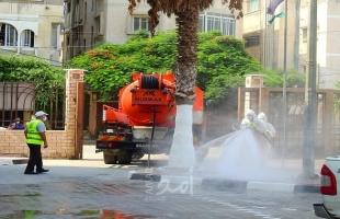 غزة: النقل والمواصلات تشرع بتعقيم مقر الوزارة ودوائر الترخيص