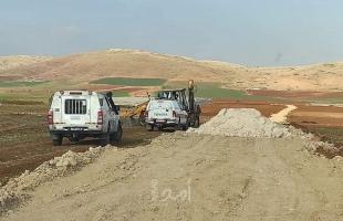 مستوطنون يقتحمون منطقة أثرية في وادي الفارعة جنوب طوباس