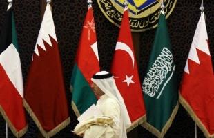 مستشار ملك البحرين: اعتدنا من قطر المؤامرات المكشوفة والتزوير الصريح