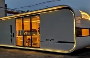 تطوير منزل ذكى صغير يشبه سفينة الفضاء