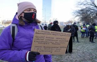 مظاهرات نسائية في بولندا احتجاجا على قوانين حظر الإجهاض
