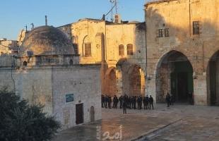 القدس: قوات الاحتلال تبعد شابًا عن بلدة الطور 14 يومًا