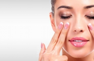 فوائد مساج الوجه قبل النوم