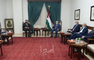 الرئيس عباس يستقبل القنصل العام البريطاني