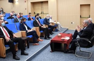 غانم: زيارة الوزراء لغزة سيكون على طاولة الحكومة الفلسطينية الأسبوع القادم