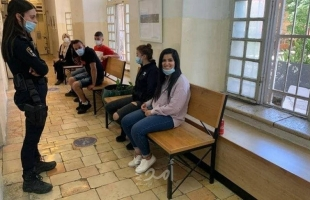 """سلطات الاحتلال تفرج عن الصحفيين """"زينة الحلوني"""" و""""وهبي مكية"""" بشرط"""