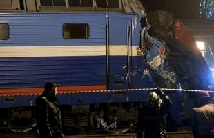 30 قتيلا على الأقل باصطدام قطارين جنوبي باكستان