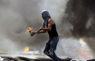 اصابة مواطن بجنين وشبان يلقون زجاجات حارقة تجاه مستوطنة في الخليل