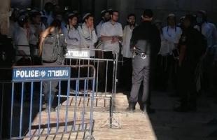 """القدس: أعداد كبيرة من المستوطنين يحاولون اقتحام """"المسجد الأقصى"""""""