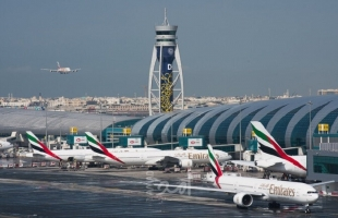 """تصادم طائرتين بمطار """"دبي"""" الرئيسي"""