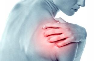 أبرز 5 أسباب لآلام الكتف