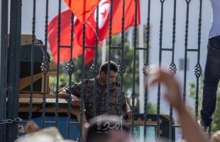 الاتحاد الأوروبي يدعو للعودة إلى استقرار المؤسسات في تونس