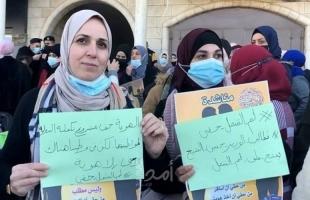 """حملة """"لم الشمل حقي"""" تنظم وقفة لعشرات الأسر أمام """"الشؤون المدنية"""""""