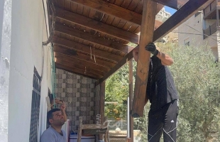 """بلدية الاحتلال تجبر عائلة """"مطر"""" المقدسية على هدم منزلها بنفسها"""