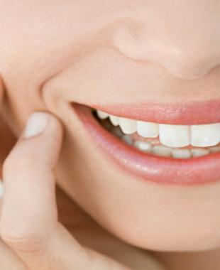 6 طرق تجميلية كي تحصلي على إبتسامة مميزة و ساحرة