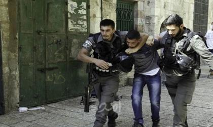 قوات الاحتلال تعتقل شقيقين وتداهم منزل أسير في جنين