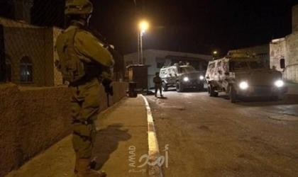محدث.. جيش الاحتلال يعتقل (12) فلسطينياً من القدس والضفة ويقيم حواجز في نابلس