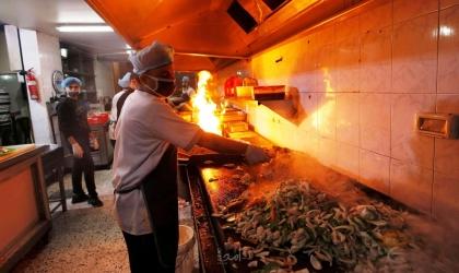 هيئة المطاعم تحذر من كارثة إقتصادية بسبب قرار داخلية حماس