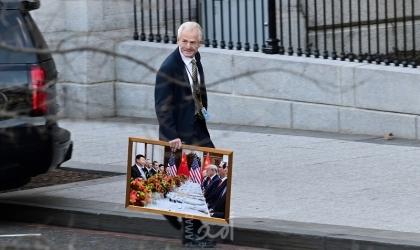 """بدء حزم أمتعة """"ترامب"""" من البيت الأبيض- صور"""