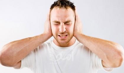 دراسة بريطانية: طنين الأذن والدوخة وفقدان السمع 3 أعراض جديدة لكورونا