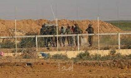 جيش الاحتلال يعتقل شاباً تسلل عبر السياج الفاصل جنوب القطاع