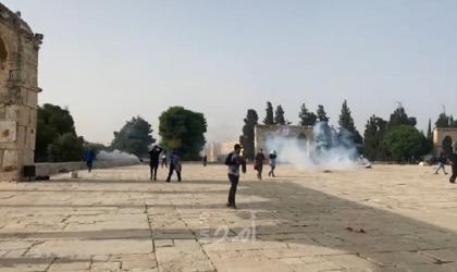 محدث- القدس: شرطة الاحتلال تقتحم المسجد الأقصى ومواجهات مع المصلين- فيديو وصور