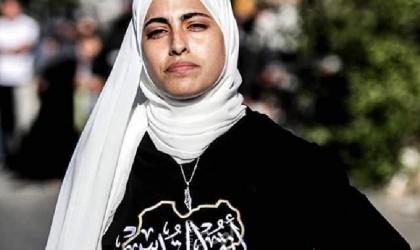 """سلطات الاحتلال تفرج عن المقدسية """"منى الكرد"""" - فيديو"""