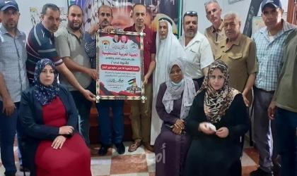 دير البلح: العربية الفلسطينية تزور اللجنة الشعبية للاجئين