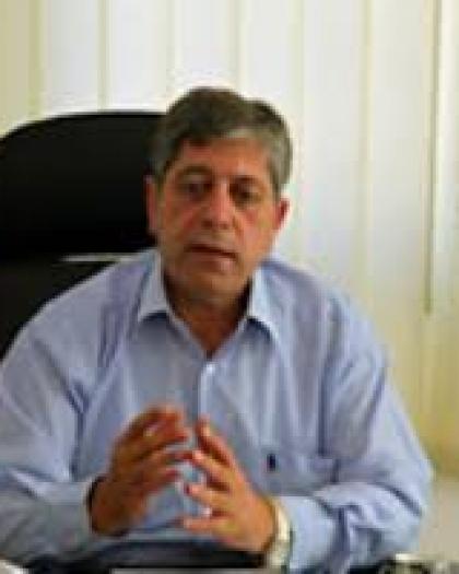 طوباسي يسلم رسالة من عباس إلى رئيس أساقفة اليونان