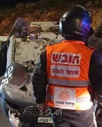 إصابة شابين بإنقلاب سيارتهما في القدس