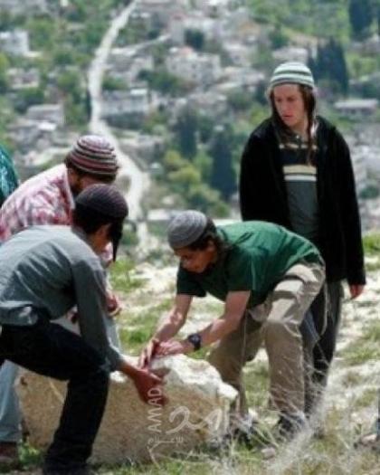 بيت لحم: مستوطنون يجرفون أراض ويسعون طريقا زراعية لأغراض استيطانية